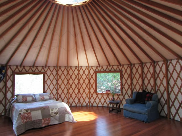 Peaceful Yurt on Beautiful Land - Laytonville - Yurt