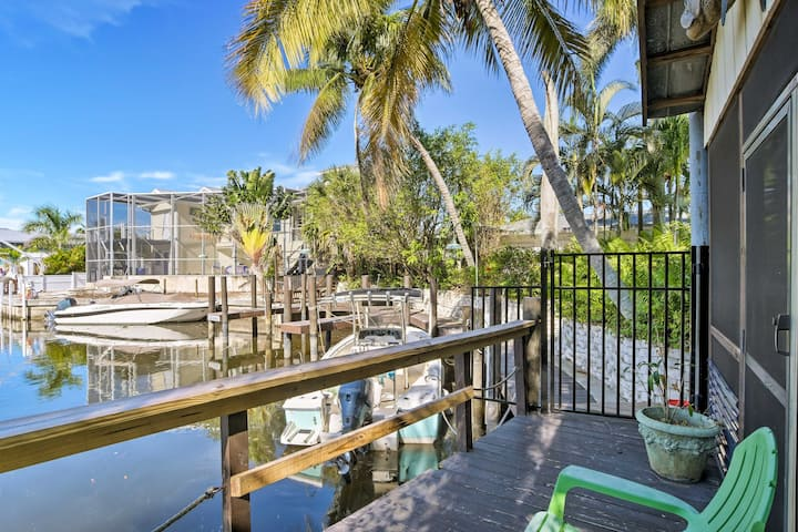 Naples Studio w/Dock+Pool Access - by Beach!