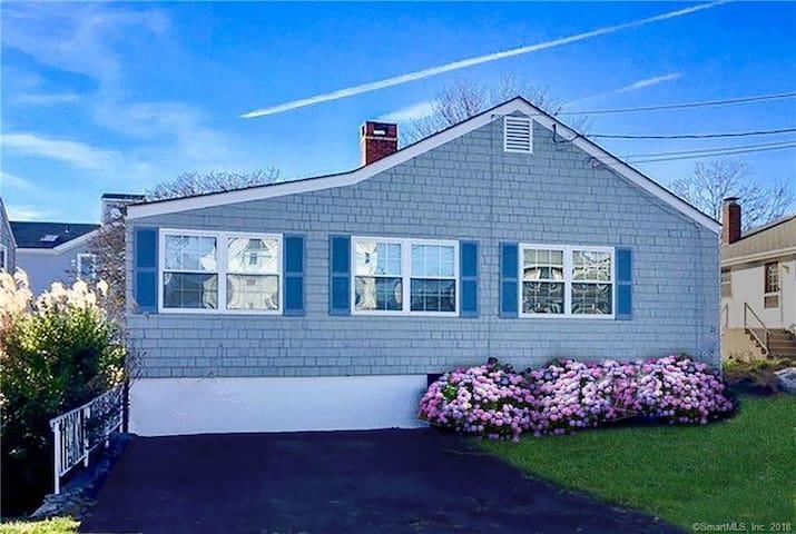 Groton Long Point Beach House - Great Location!