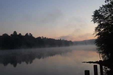 River Rest Lake Cabin - Шарлотта