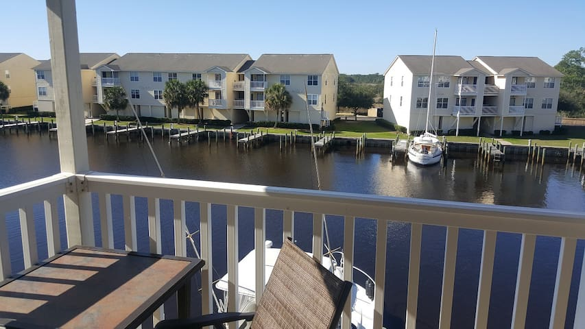 Harbor Hideaway - Waterfront Condo - Ocean Springs - Apartment
