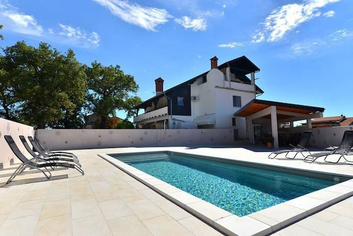 Villa Paolija APP2 (8persons) - Novigrad - Apartment