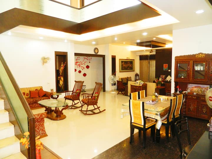 Serenity Bangla- Luxurious Room w Warm Hospitality