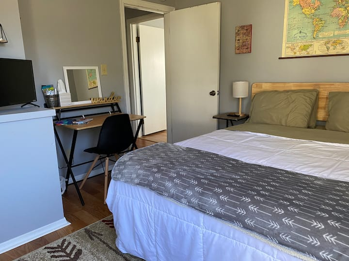 3milesNeyland/SoKno private room/dog friendly