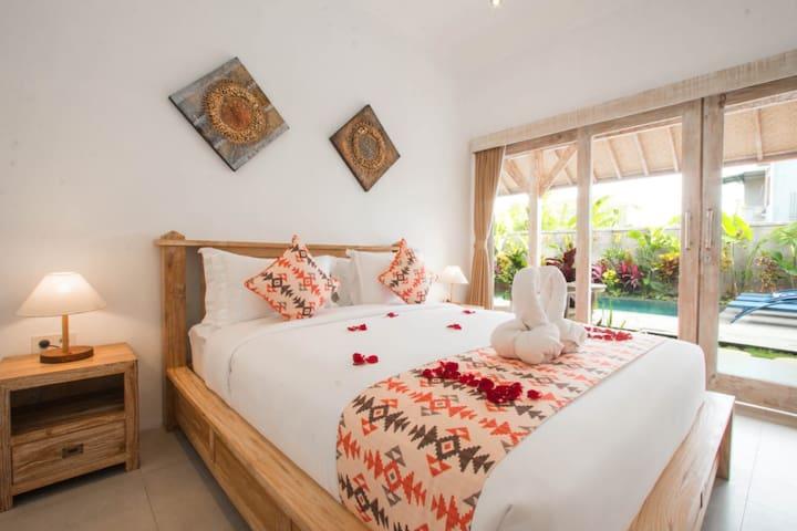 Weekly-Monthly Rental DBL Room w/ Pool in Canggu