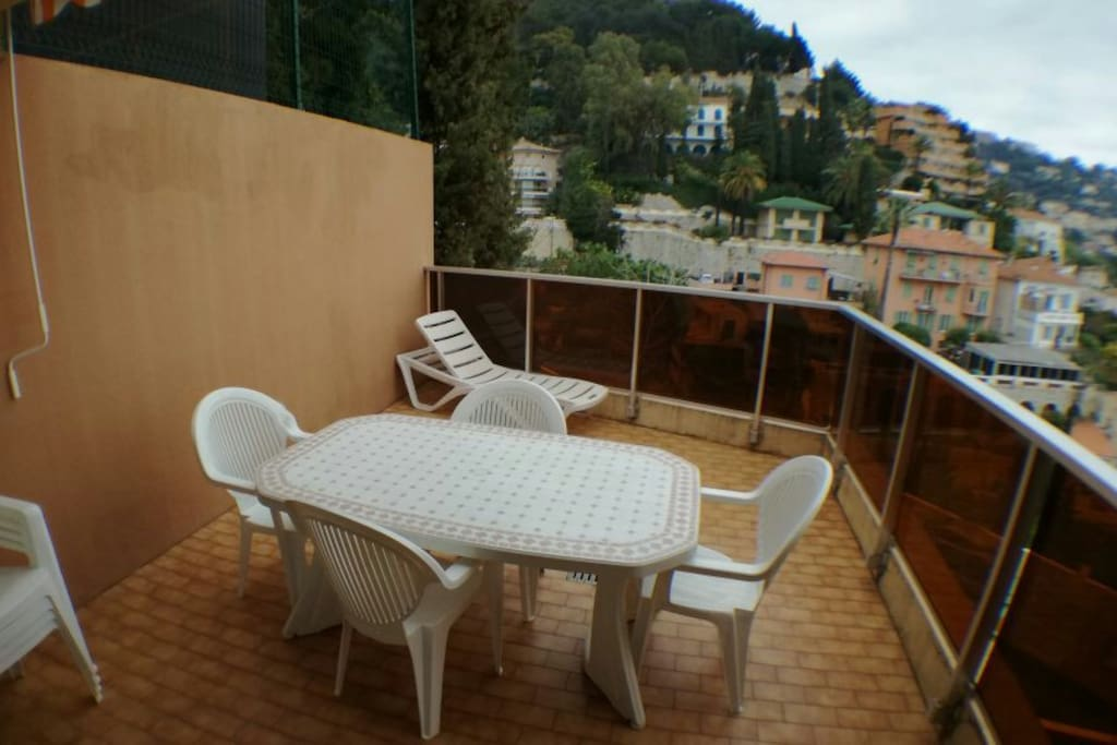 Big terrace, ideal to enjoy a nice breakfast in the gorgeous Mediterranean climate