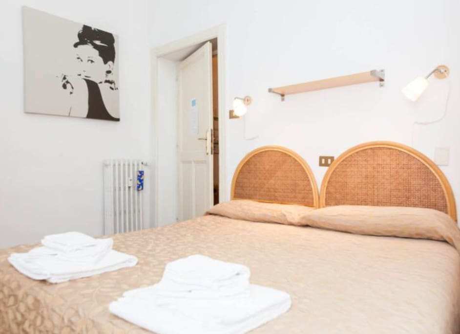 La Camera Blu, con 1 letto matrimoniale o 2 letti singoli