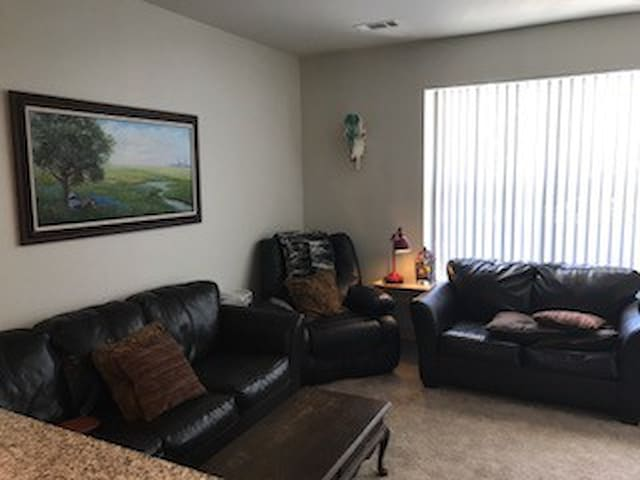 Cozy Townhome in friendly community. Austin Ranch - The Colony - Townhouse