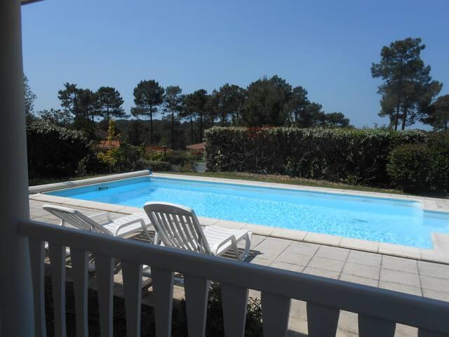 Villa 4 chambres piscine privée sur le golf