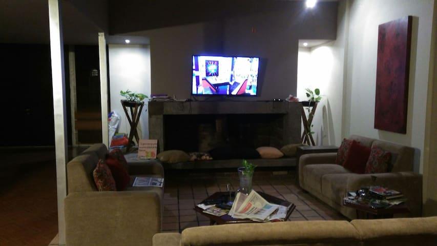 Habitación amueblada en Cumbres 2do Sector - Monterrey