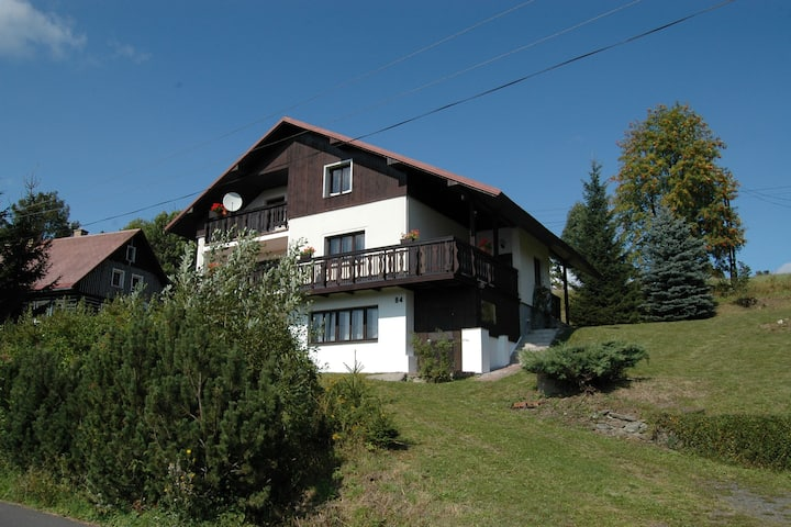 Spacious cottage in the Giant Mountains, 1 km from the skislopes