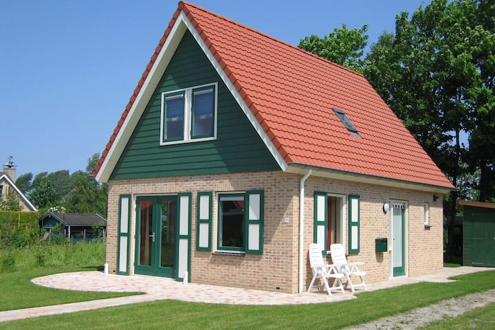 Well maintained, detached holiday home nearby Grevelingenmeer lake