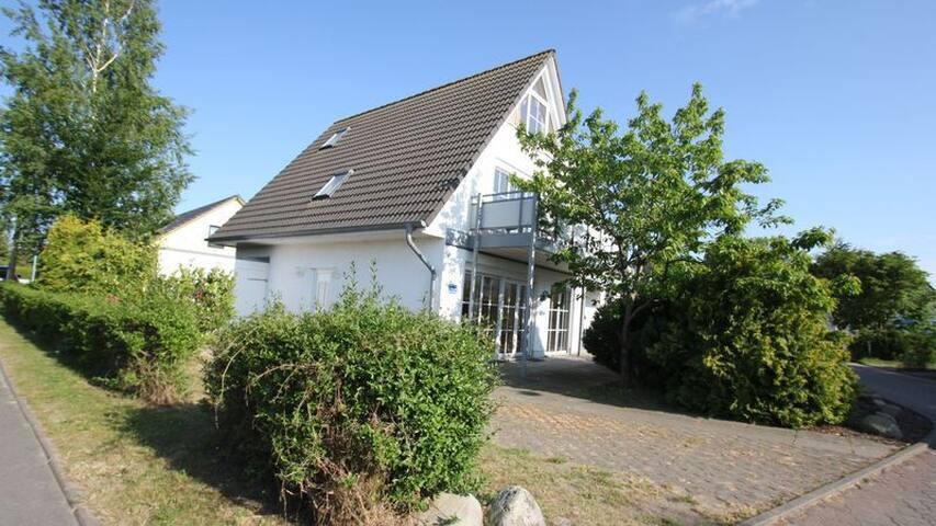 Haus Poseidon Wohnung Wellenreiter - Breege - Apartemen