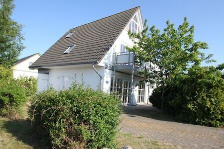 Haus Poseidon Wohnung Wellenreiter - Breege