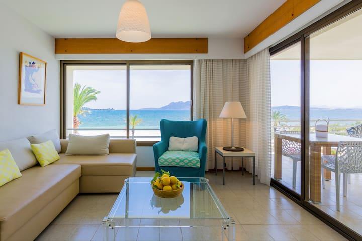 Sala con vistas al mar