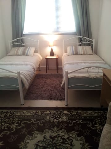 Comfortable Twin Room in Greater London