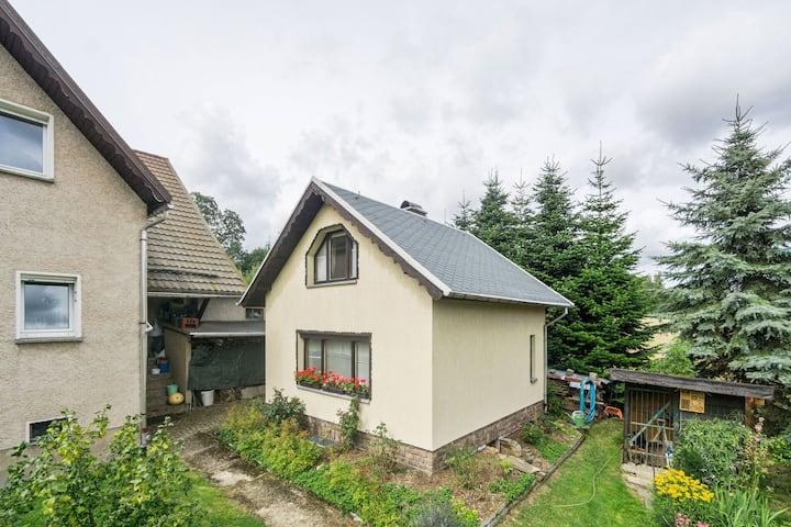 Gezellig vakantiehuis in Marienberg met een tuin