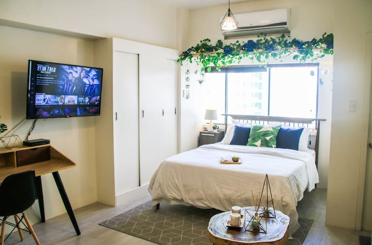 Indigo Makati Exquisite Apartment @ Perla Mansion