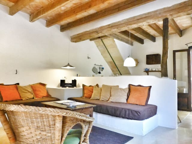 "Apartment ""Moscatell""  in historischer Finca"