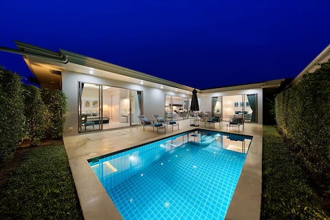 Luxury Pool Villa /close to the beach/ breakfast*