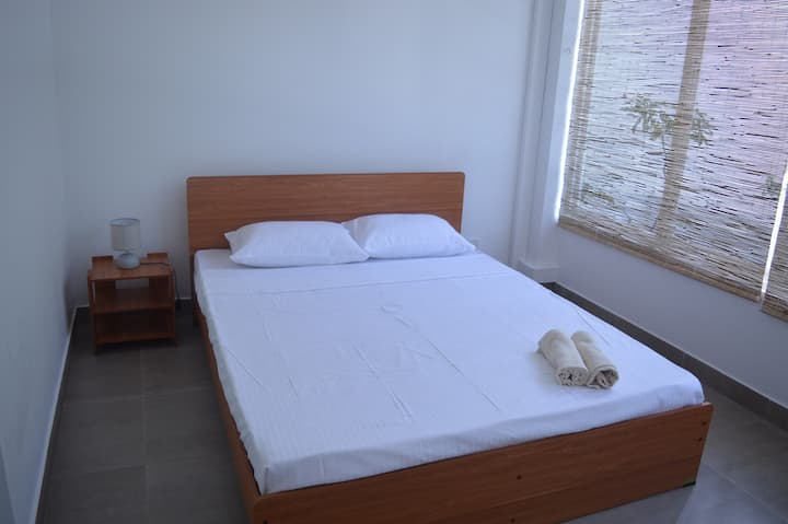 Roadster Colombo Room 401 a/c