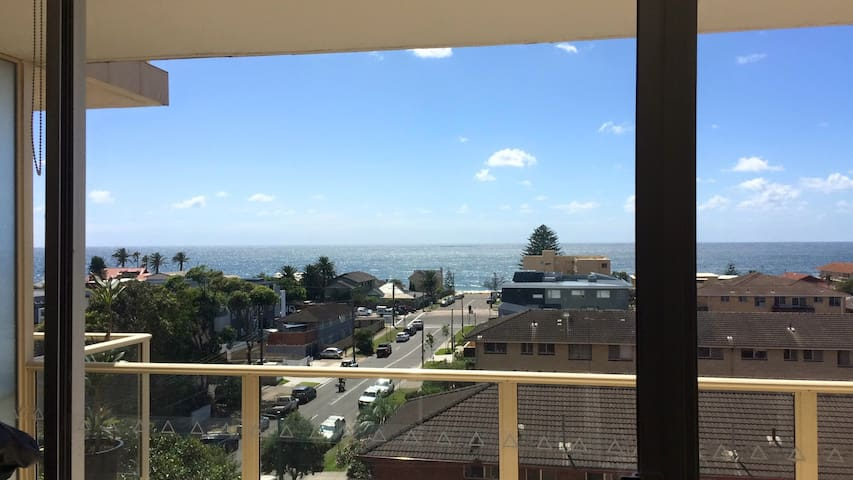 Narrabeen room 3 min-walk to the beach - Narrabeen