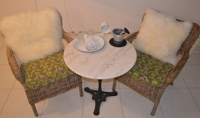 Het zitje in kamer Green Papaya