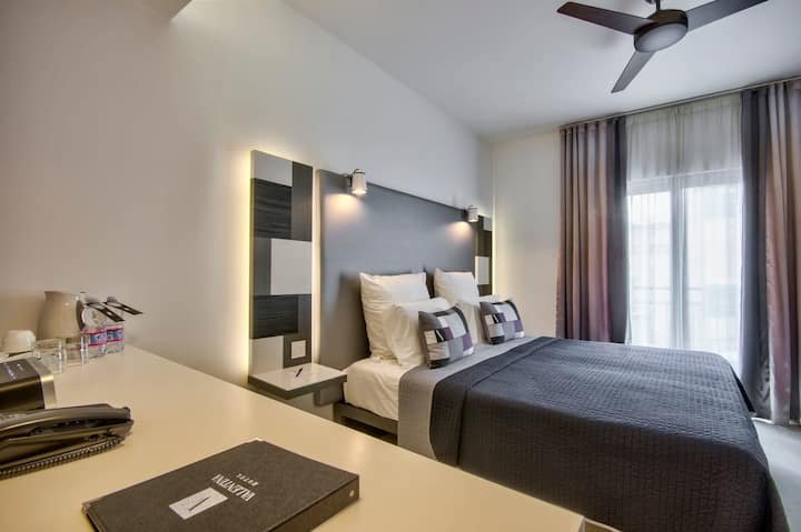 Comfort Economy Room | Perfect for a Business Traveler |Student| Free Breakfast