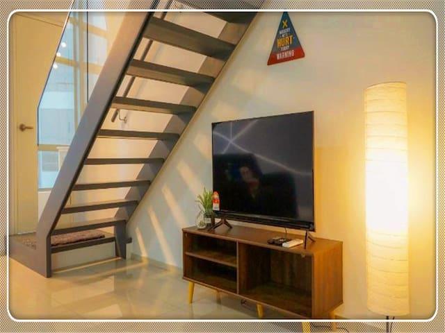 Cozy Modern Loft by De Lux @ EkoCheras, KL4
