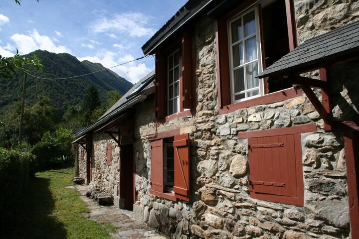Maison de montagne en pierre