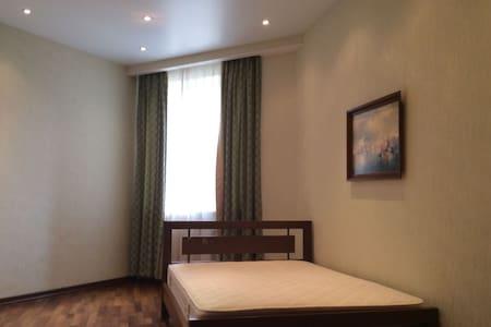 Your room in Carmel - Carmel