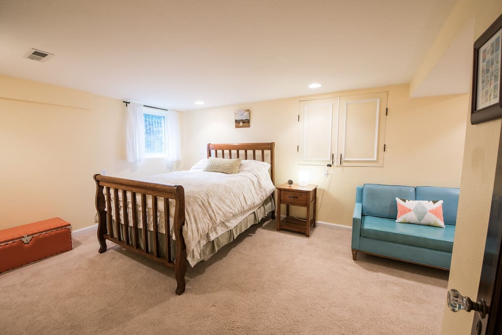 Comfortable bedroom with double bed. (not pictured is a closet and dresser)
