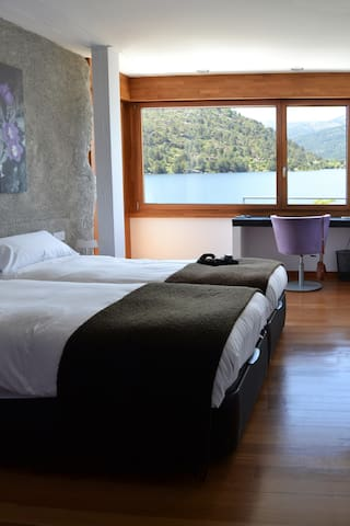 double room with amazing view and jacuzzi - El Barraco - Aamiaismajoitus