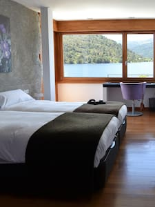 double room with amazing view and jacuzzi - El Barraco - Bed & Breakfast