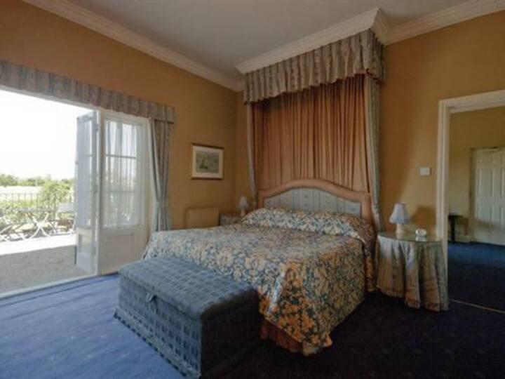 Large Double En-suite at Corse Lawn House Hotel