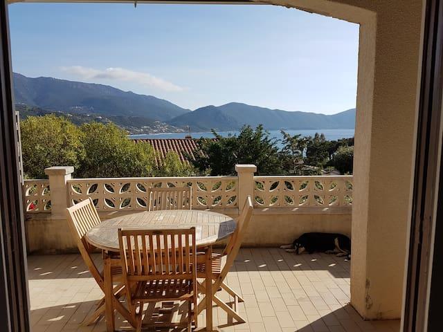villa tout confort avec belle vue sur mer - Appietto - Villa