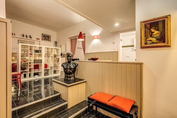 LOVELY Loft for 3 people just outside the VATICAN