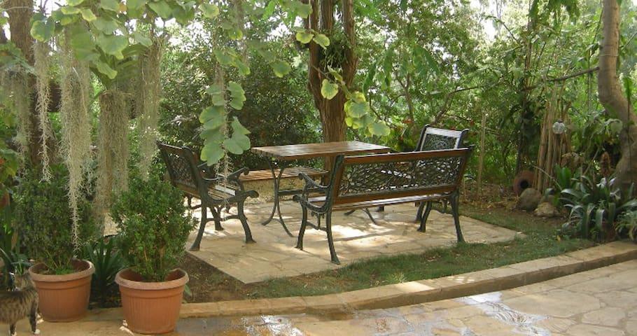 """Aambar"" Garden Cottage"