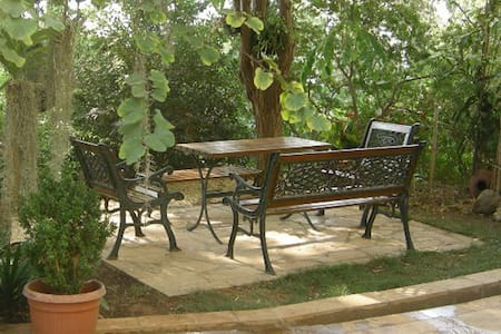 """Aambar"" Garden Cottage"