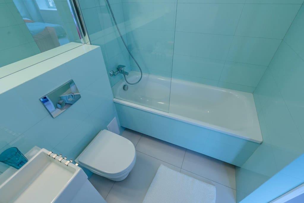Мятная свежесть ванной комнаты