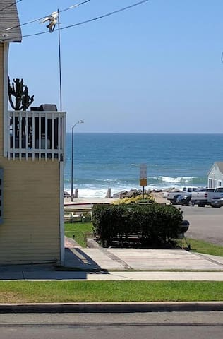 Beach House - Oceanside - Apartment