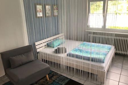 Schönes Apartment Zimmer am Waldrand