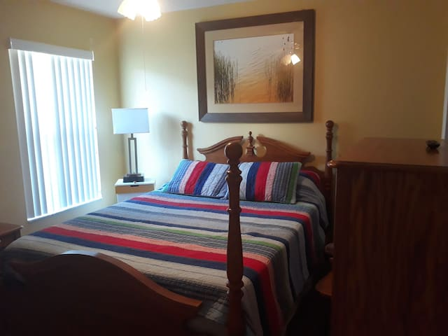 SMALL ROOM offers quality and comfort at low cost