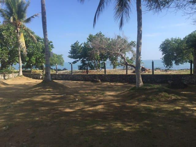 Hermosa casa de playa con acceso directo al mar - Coveñas - エコロッジ