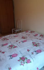 stanza matrimoniale uno - Santa Giusta - Hus