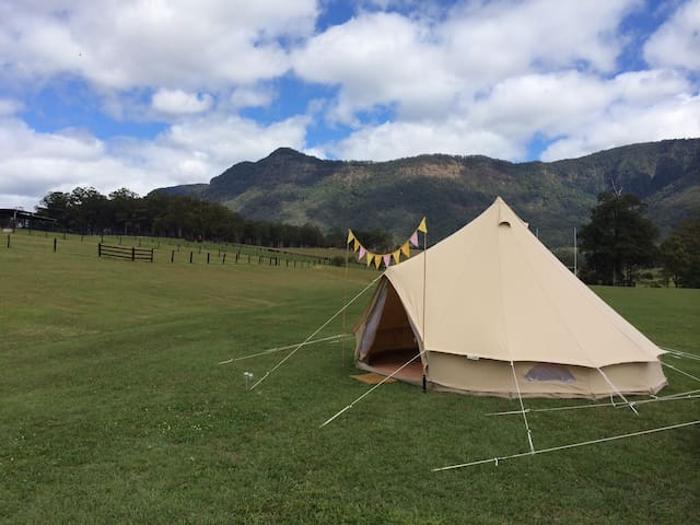 CMC Rocks Glamping at Flinders Peak - Peak Crossing