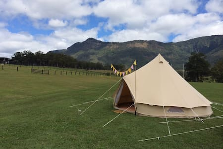 CMC Rocks Glamping at Flinders Peak - Peak Crossing - Tenda Tipi