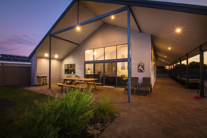 Beachridge Estate - Ocean Living