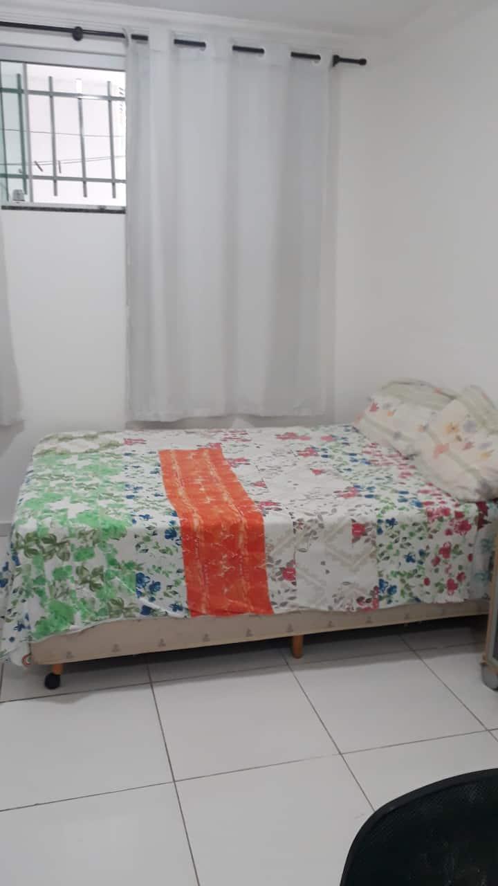 Quarto com cama de casal guará 2(Só o quarto)