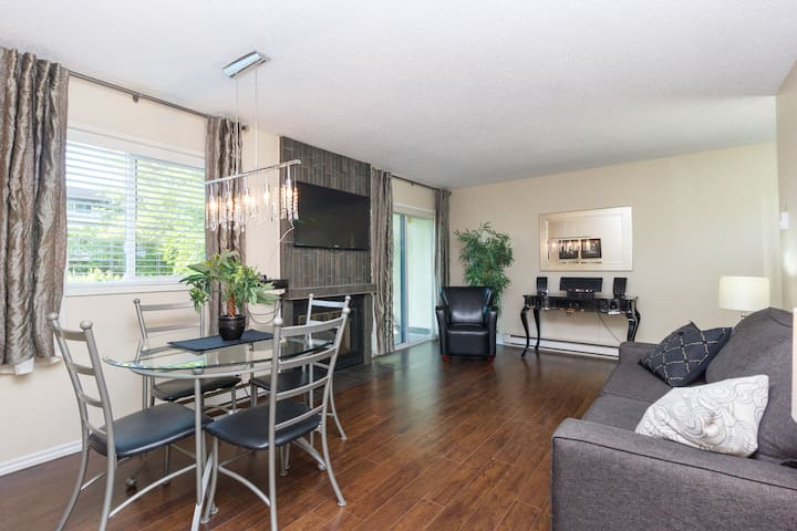 Renovated Townhouse Near Downtown Suite #1